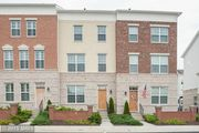 22692 Parkland Farms Ter, Ashburn, VA 20148