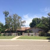 2430 Country Club Ln, Selma, CA 93662