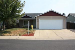 1213 Twin Rocks Dr, Central Point, OR 97502