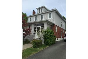 16 Michigan Ave, Troy, NY 12180
