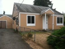758 108th St S, Tacoma, WA 98444