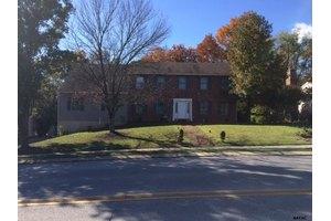 1250 Greenwood Rd, York, PA 17408