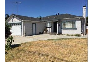 8 Birch Ln, San Jose, CA 95127