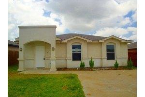 2509 Comales Dr, Laredo, TX 78046