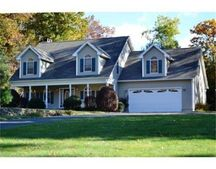 377 Woodland Cir Unit 1, Ludlow, MA 01056