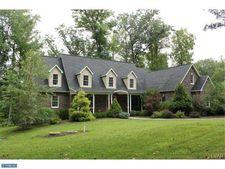 2539 Kings Mill Rd, Hellertown, PA 18055