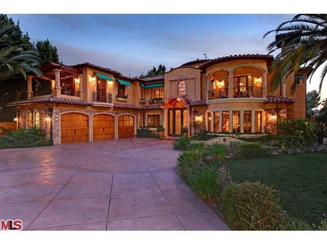 By analyzing information on thousands of single family homes for sale in Sherman Oaks, California and across the United States, we calculate home values (Zestimates) and the Zillow Home Value Price Index.