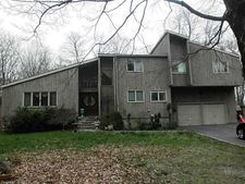 2041 Morehouse Hwy, Fairfield, CT 06824