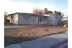 2637 Spear St, North Las Vegas, NV 89030