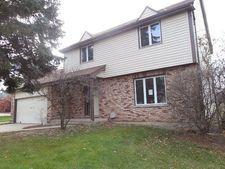 620 Maple St, Marengo, IL 60152
