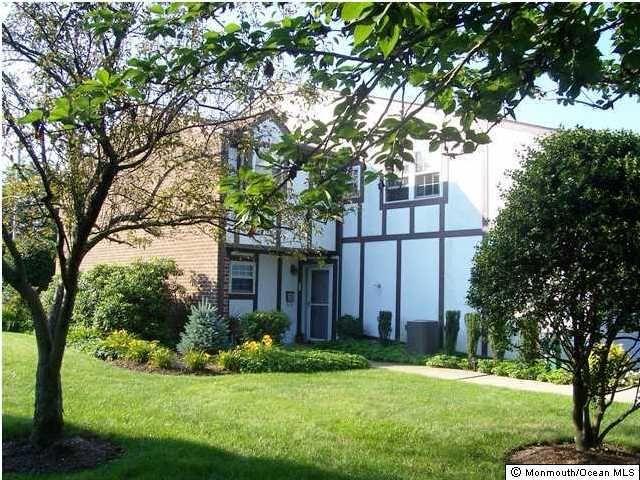 88 Walnut Dr Spring Lake Heights, NJ 07762