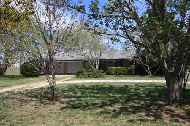 23095 Hill Rd, Jarrell, TX 76537