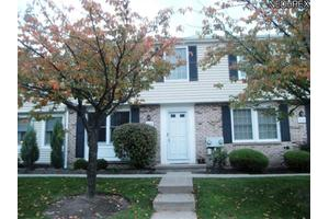 7376 N Chestnut Commons Dr, Mentor, OH 44060