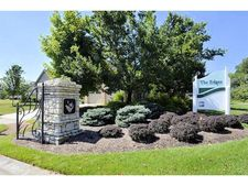1407 Camberly Dr, Wyoming, OH 45215