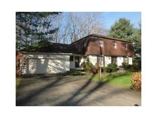22 Timberland Dr, Lincoln, RI 02865