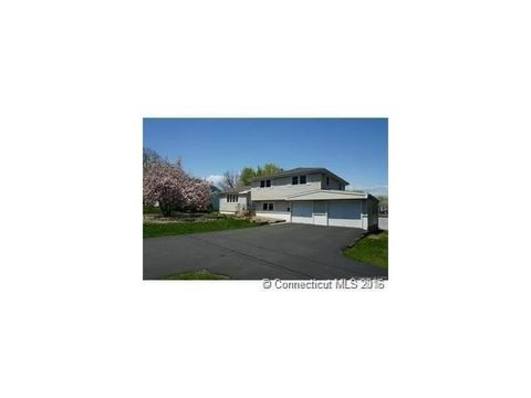 7 Hang Dog Ln, Wethersfield, CT 06109