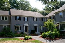 602 Foxwood Cir, Peabody, MA 01960
