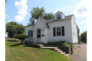 60 James St, Danbury, CT 06810
