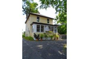 72 Briggs Ave, Pittsfield, MA 01201