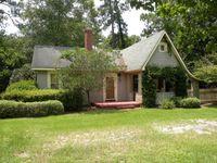 215 Chester Ave N, Douglas, GA 31533