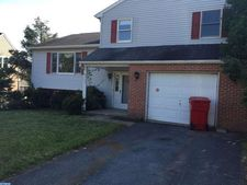 224 Maplewood Dr, Penn Valley, PA 19464