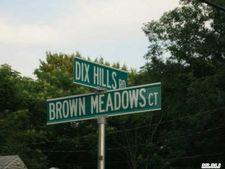 5 Brown Meadow Ct, Huntington, NY 11743