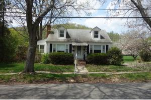 302 W Valley View Ave, Hackettstown, NJ 07840