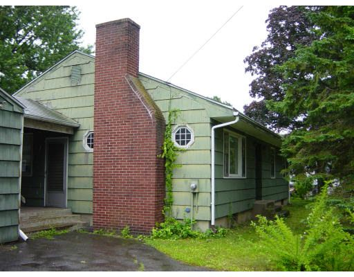 63 Peter St, Chicopee, MA 01020
