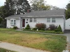 1362 Lombardy Blvd, Bay Shore, NY 11706