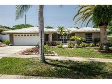 208 Leafwood Rd, Tarpon Springs, FL 34689