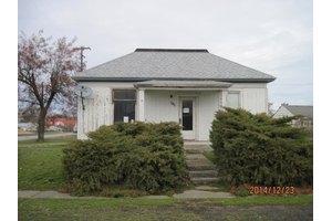 416 W 4th St, Sprague, WA 99032