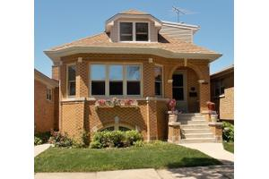 4568 N Meade Ave, Chicago, IL 60630