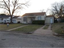4928 Gilbert Dr, Fort Worth, TX 76116