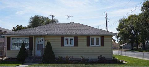 1702 E Sanson Ave, Spokane, WA 99207