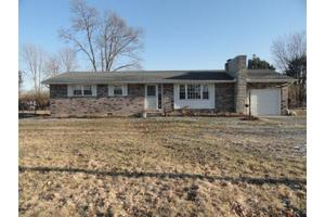5527 Maple Grove Ave, Blanchester, OH 45107