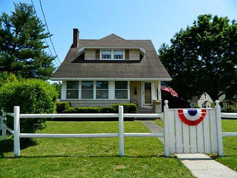 Photo of 706 S Washington St, East Rochester, NY 14445