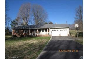 191 Virginia Dare Dr, Lexington, NC 27295