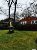 27 Oxbow Rd, Patchogue, NY 11772