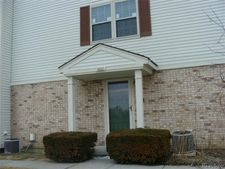 1600 Wimbledon Dr, Walled Lake, MI 48390