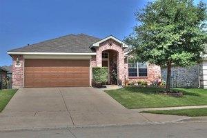 13213 Fencerow Rd, Fort Worth, TX 76244