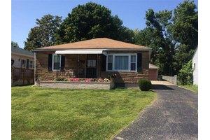 13 Barksdale Ave, Dayton, OH 45431