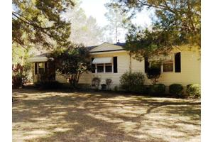 1943 4th St SE, Moultrie, GA 31768