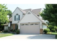 329 Bay Pointe Dr, Belleville, MI 48111
