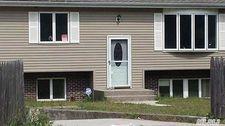 395 Mooney Pond Rd, Selden, NY 11784