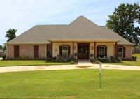 208 Grand Oak Blvd, Clinton, MS 39056