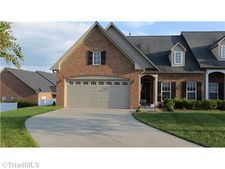 1204 Pelican Ln, Clemmons, NC 27012