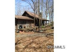 529 Moores Valley Ln, Leicester, NC 28748