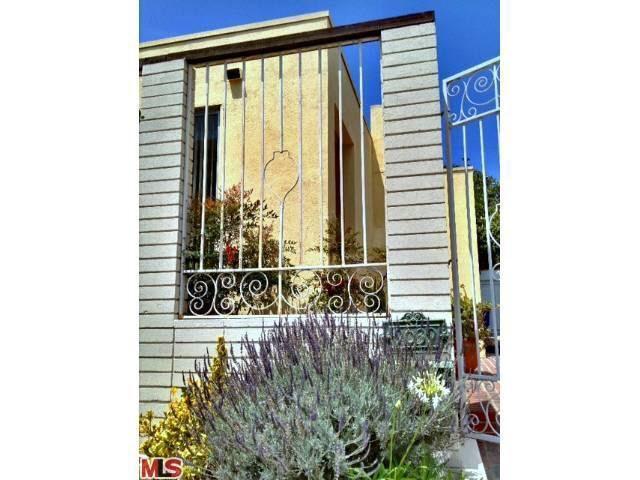 9039 Vista Grande St Los Angeles CA 90069