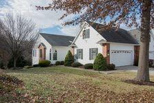 471 Spring Oaks Dr, Harrisonburg, VA 22801