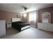 32 Whites Ave Apt 42, Watertown, MA 02472